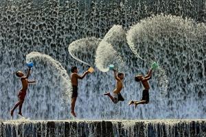 http://www.50emais.com.br/artigos/tarot-da-semana-o-constante-exercicio-da-felicidade/